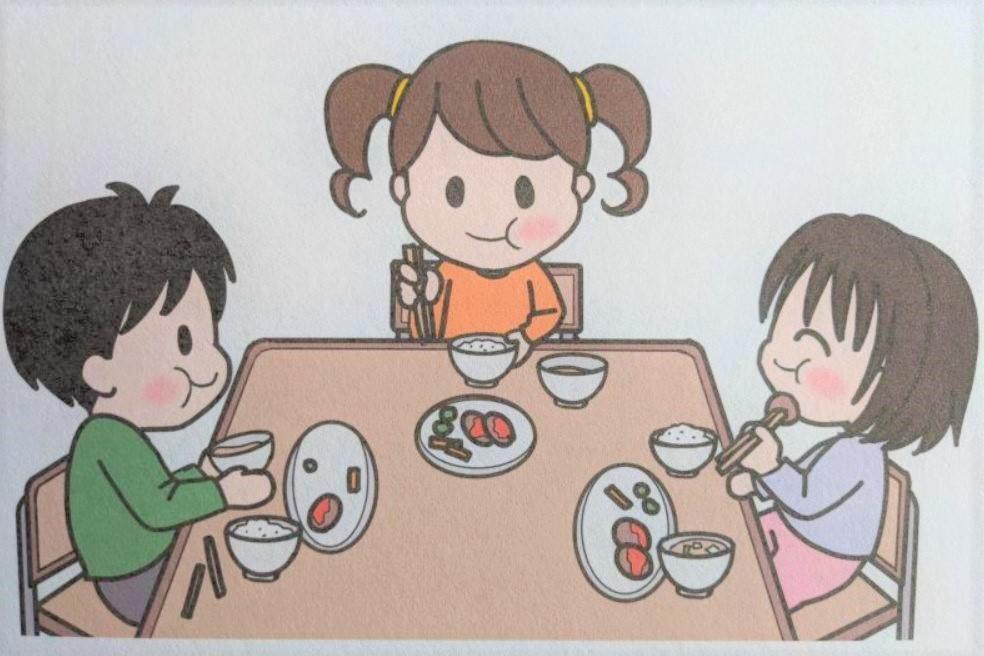 しゃべらないで食べる子どもたち